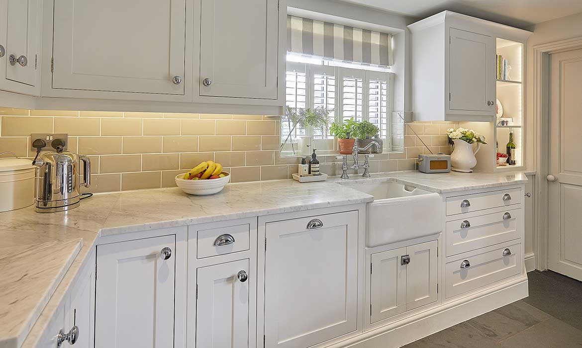 White Shaker Kitchen Chidingfold Kitchens